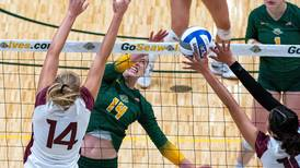 UAA volleyball team picks up 3 wins in 24 hours