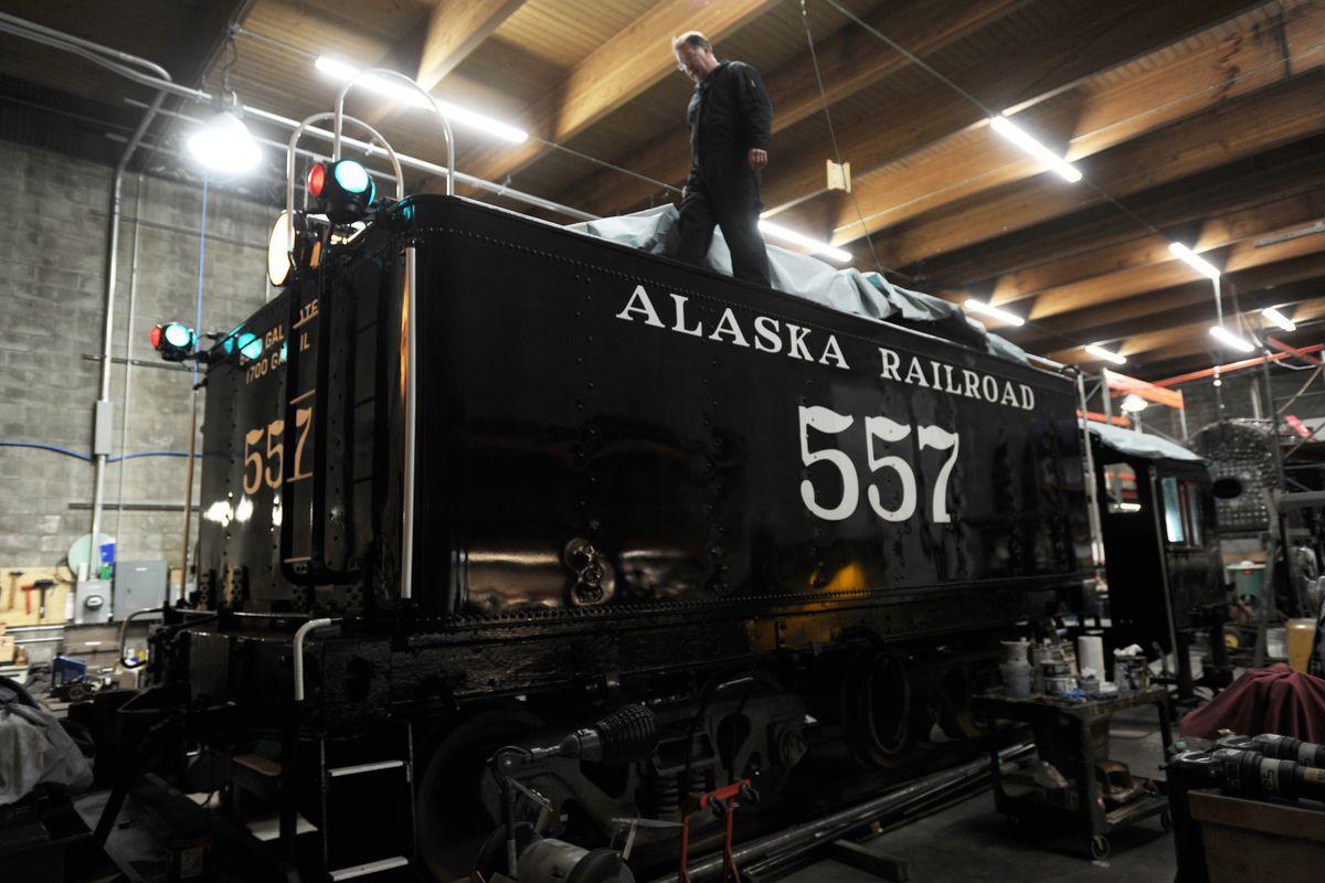 restoring engine 557  work continues on last steam