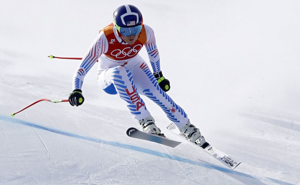 Lindsey Vonn of the U.S. competes. REUTERS/Dominic Ebenbichler