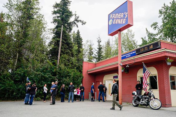 Customers wait outside Kriner's Diner in Anchorage on Saturday morning, Aug. 8, 2020. (Loren Holmes / ADN)