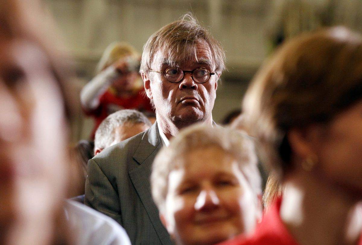 FILE: Author and radio personality Garrison Keillor at a Democratic campaign rally in Minneapolis, October 23, 2010. REUTERS/Kevin Lamarque
