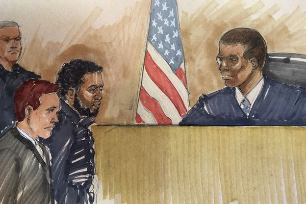 In this courtroom sketch,
