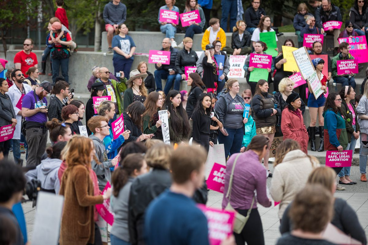 A crowd of pro-abortion rights supporters rally Saturday, May 18, 2019 at Town Square Park. (Loren Holmes / ADN)