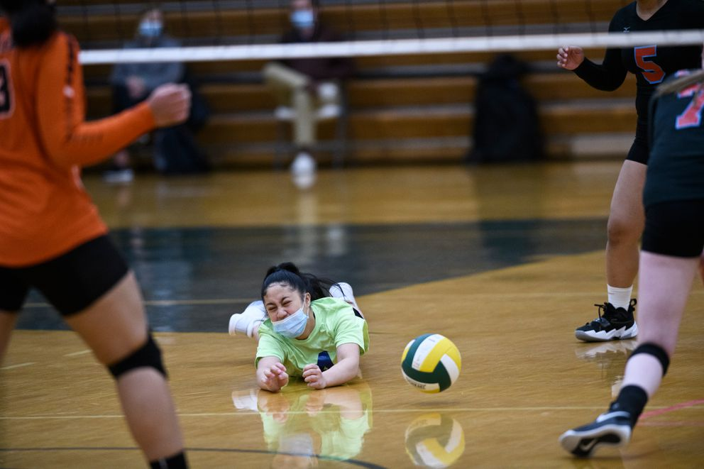 Rachel Parumngao hits the floor for East. (Marc Lester / ADN)