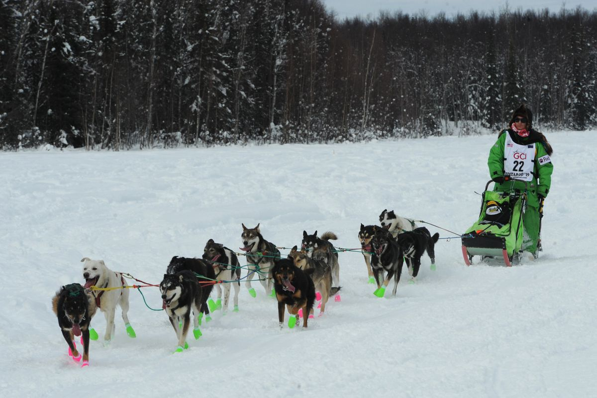Veteran Iditarod musher Ryan Redington drives his dog team across Emswiler Lake during the restart of the Iditarod Trail Sled Dog Race in Willow on Sunday afternoon, Mar. 3, 2019. (Bill Roth / ADN)