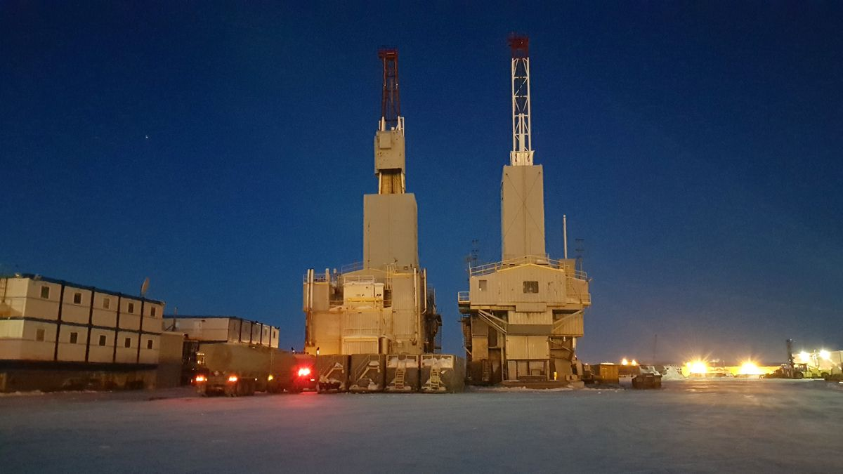 Oil rigs by night at Prudhoe Bay. (iStock / Getty Images)