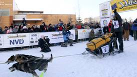 23 mushers, 300 dogs hit trail for 1,000-mile Yukon Quest
