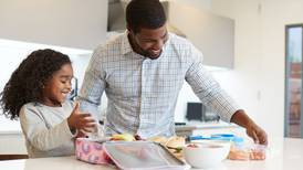 5 tips to help your kids pack their own school lunches