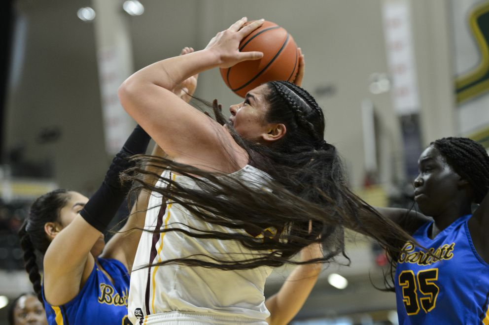 Dimond's Alissa Pili works for a first-half shot. (Marc Lester / ADN)