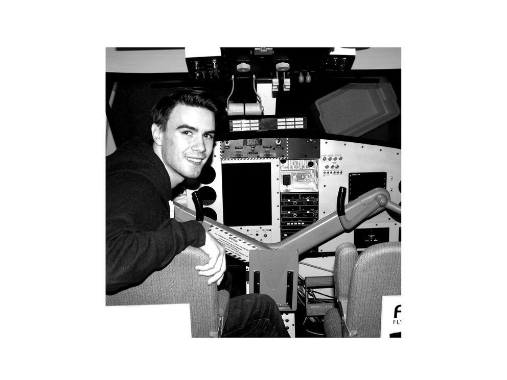 Daltin in the flight simulator. (Photo by Fischer Knapp)