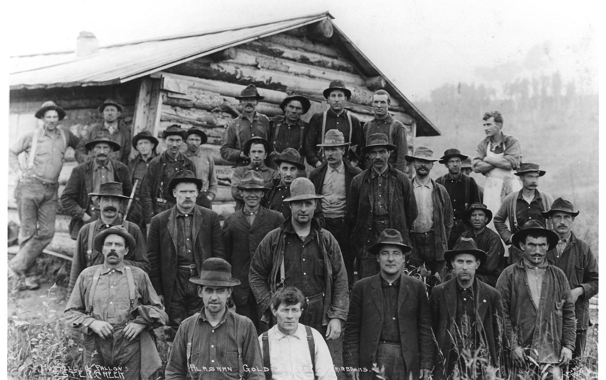 An Ester Creek mining crew in early Fairbanks working for the partnership of Mitchell and Fallon. (UAF archives)