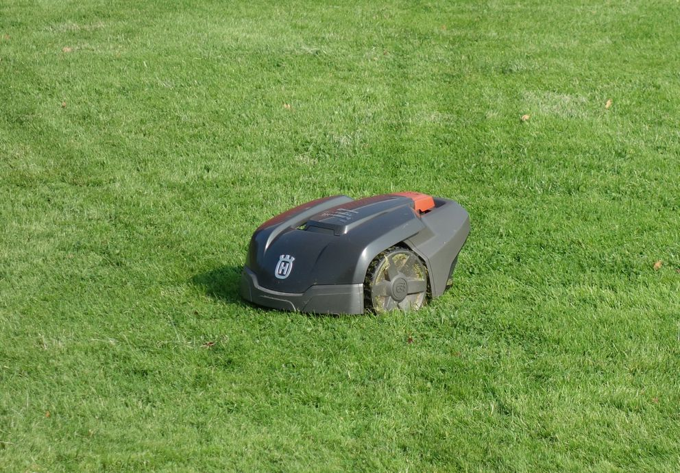 Robotic lawn mower (W.carter / Wikimedia Commons)