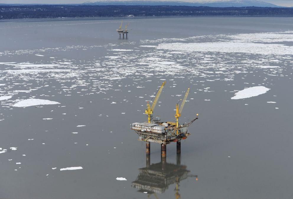 Hilcorp's Anna platform on April 2 (Bill Roth / Alaska Dispatch News)