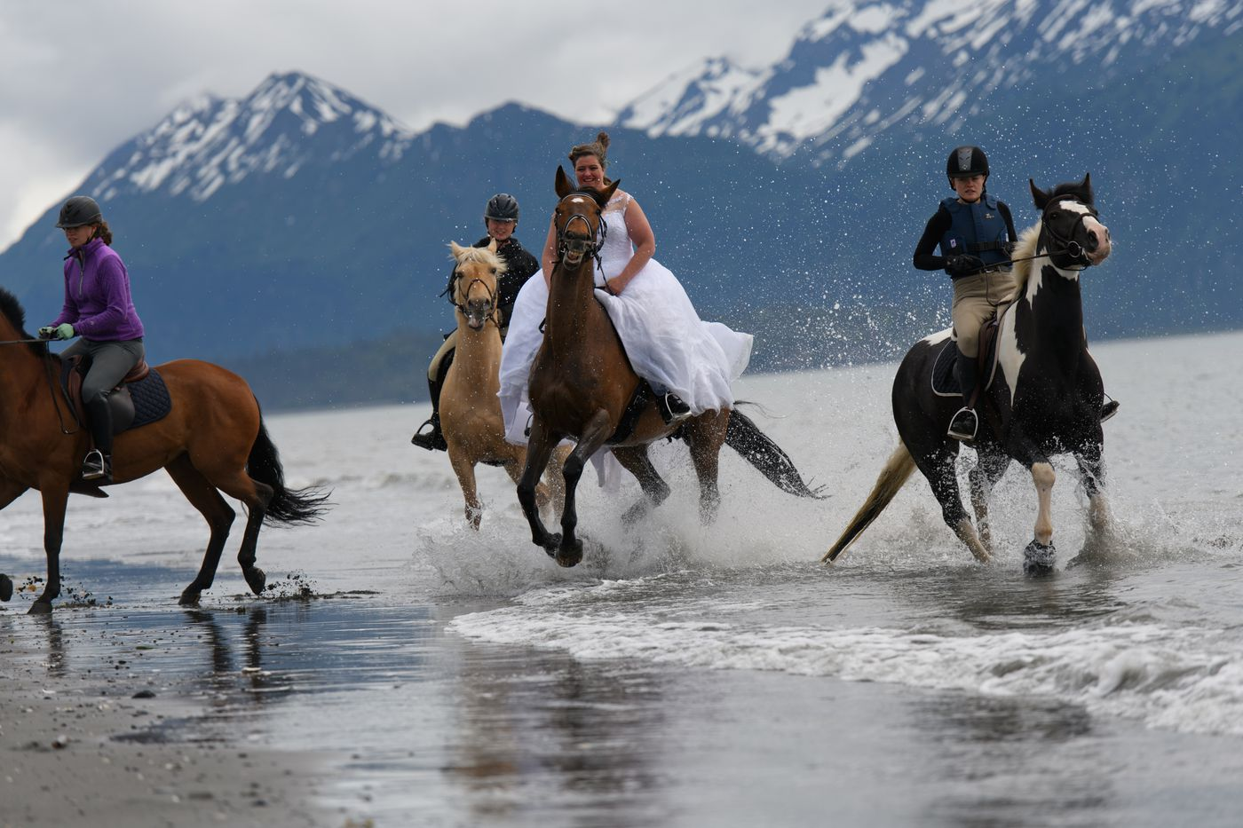 Lesley Zacharias rides with friends. (Marc Lester / ADN)