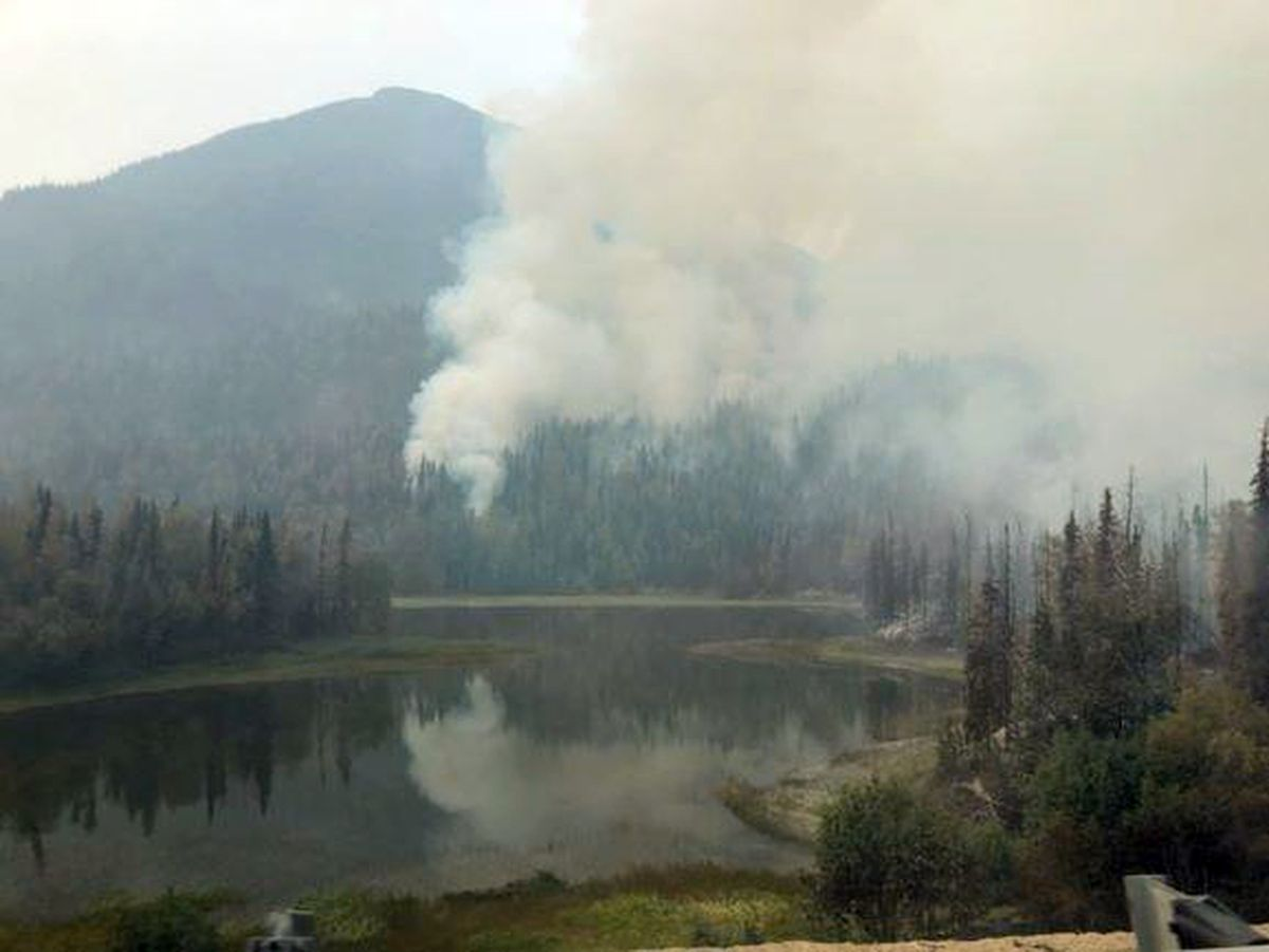 Smoke around Jean Lake from the Swan Lake fire, Aug. 19, 2019. (Photo by Carly Lemieux / via Alaska Forestry)