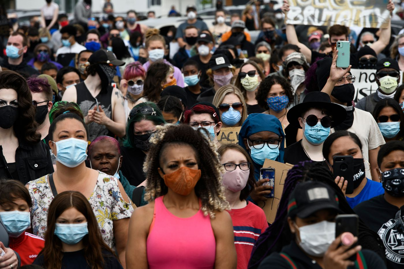 "MAY 30. A crowd gathered in the parking lot of the Midtown Mall and along the sides of Northern Lights Boulevard for the ""I Can't Breathe"" protest against police brutality. (Marc Lester / ADN)"