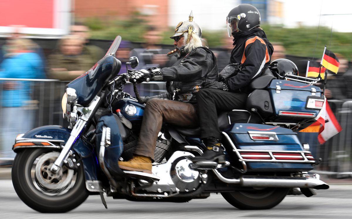 harley davidson stung by tariffs shifts some motorcycle. Black Bedroom Furniture Sets. Home Design Ideas