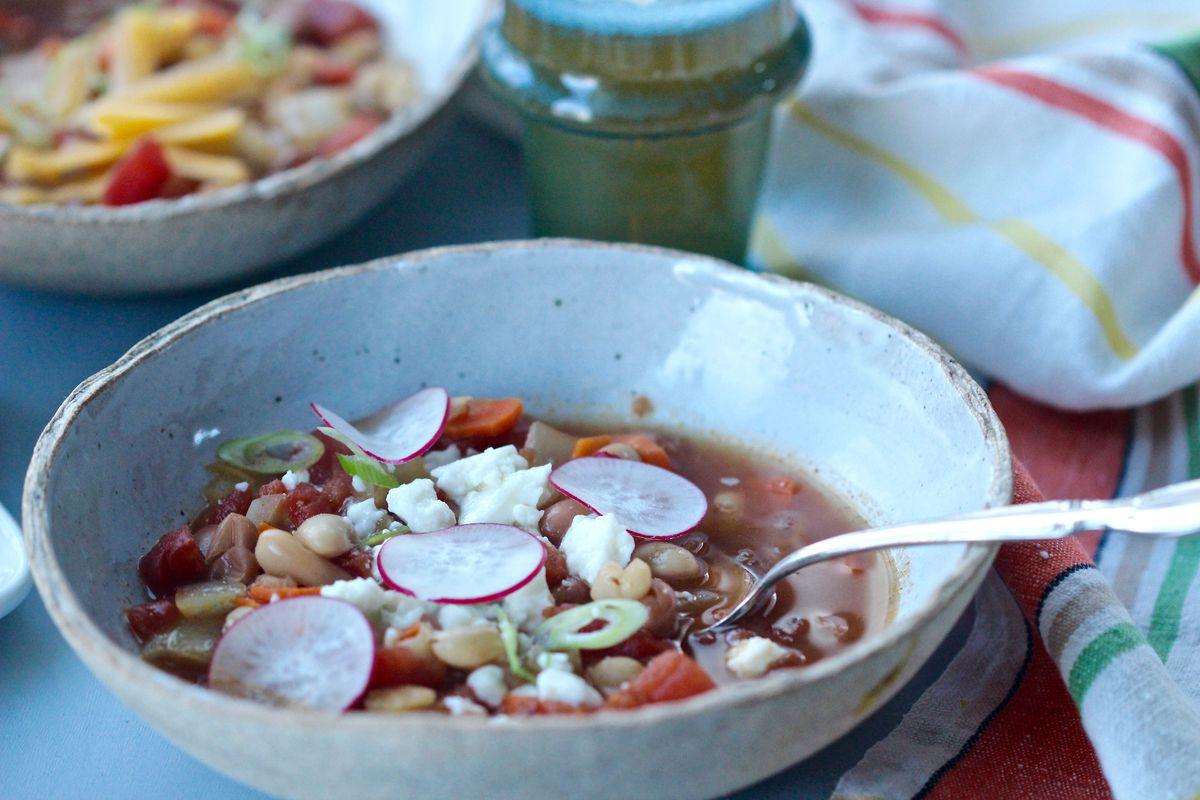 Winter bean chili (Photo by Kim Sunée)