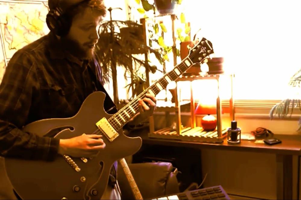 Sean Perkins performs