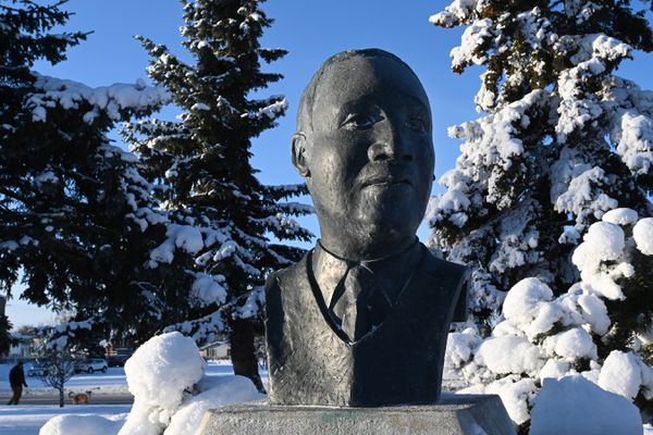 Sunshine graces the Martin Luther King, Jr. Memorial at the Delaney Park Strip in Anchorage on Sunday, Jan. 19, 2020, that honors the slain civil rights leader. (Bill Roth / ADN)