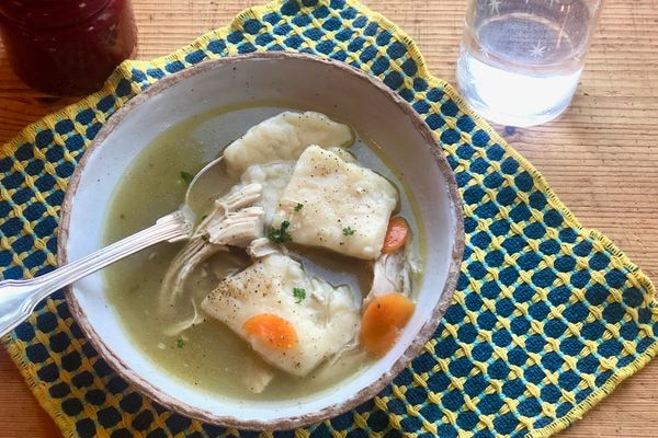 Old-fashioned chicken and dumplings (Photo Kim Sunée)