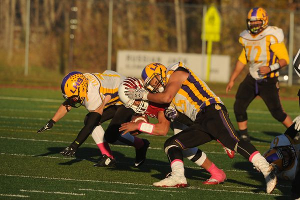 East High defeated Lathrop High 21-7 in a quarterfinal Alaska State Football Championship game at East High in Anchorage, Alaska, on Saturday, October 8, 2016. (Bob Hallinen / Alaska Dispatch News)