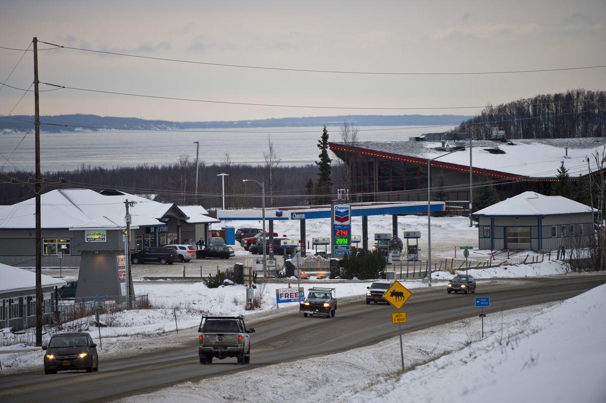 Traffic moves on Knik Goose Bay Road near South Settlers Bay Drive on December 30, 2019. (Marc Lester / ADN)