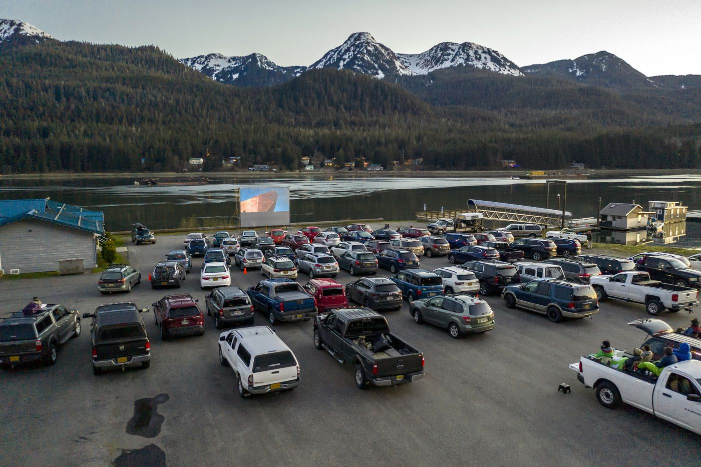 In Juneau And Anchorage Pop Up Drive In Movies Are Offering The Only Show In Town Anchorage Daily News