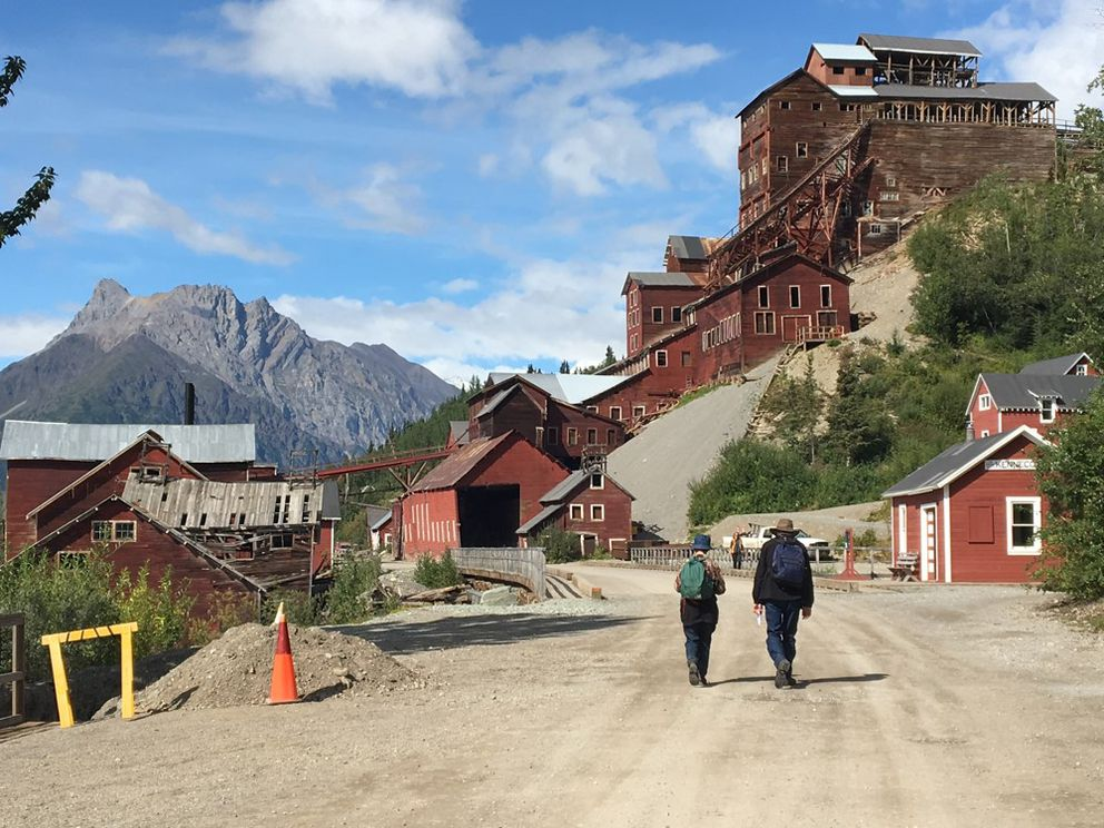 Interpretive exhibits are a large part of the Kennecott experience. (NPS photo)