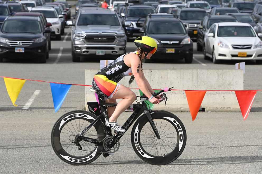 Morgan Aldridge of Sterling hits the bike course. (Bill Roth / ADN)