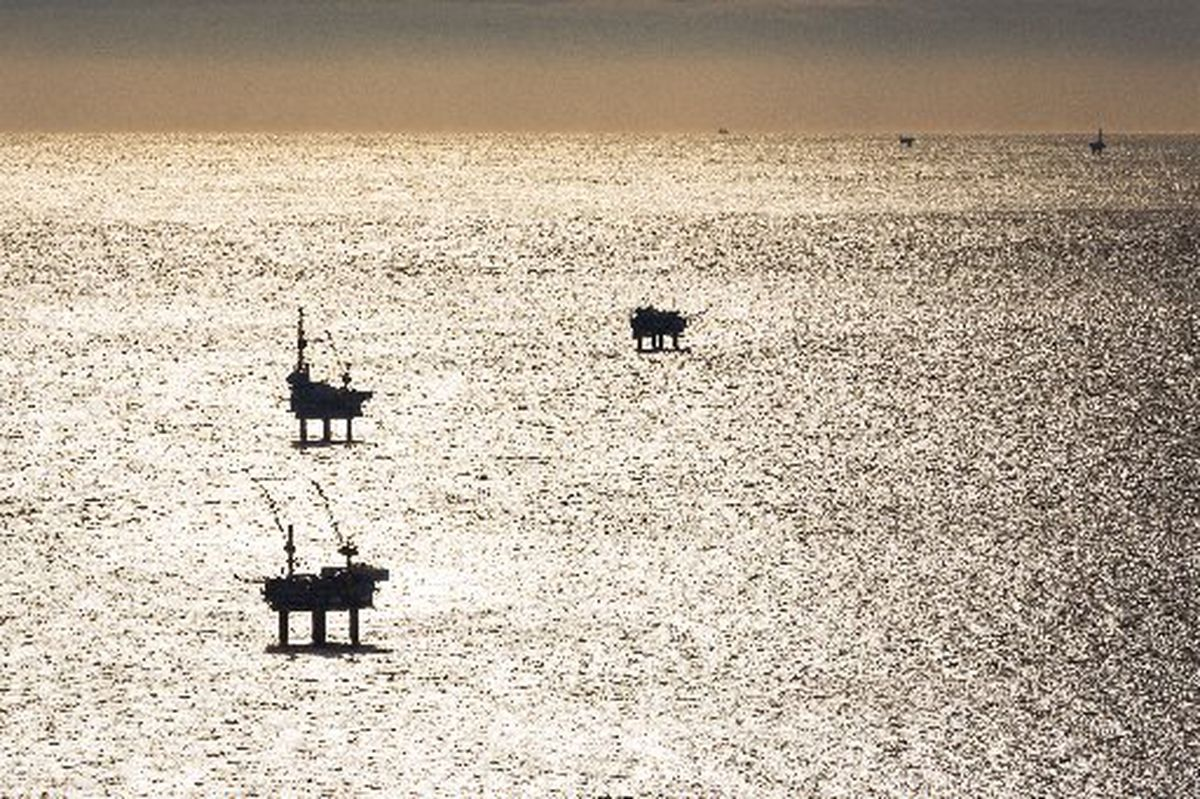 Stopping oil exploration would help protect the climate. And it will happen soon anyway.