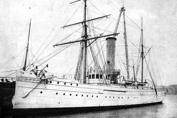 The U.S. Revenue Cutter Manning, pictured here in 1898, was in Kodiak Harbor during the great earthquake of 1900. (Public domain photo)