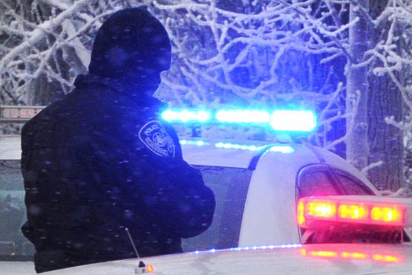 Anchorage Police on scene of a shooting on Sunday, Jan. 12, 2020. (Bill Roth / ADN)