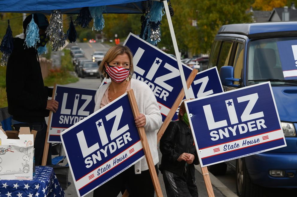 State House District 27 Democratic candidate Liz Snyder campaigned along East 32nd Avenue in Muldoon with her family instead of going door-to-door during the COVID-19 pandemic on Wednesday, Sept. 16, 2020. (Bill Roth / ADN)