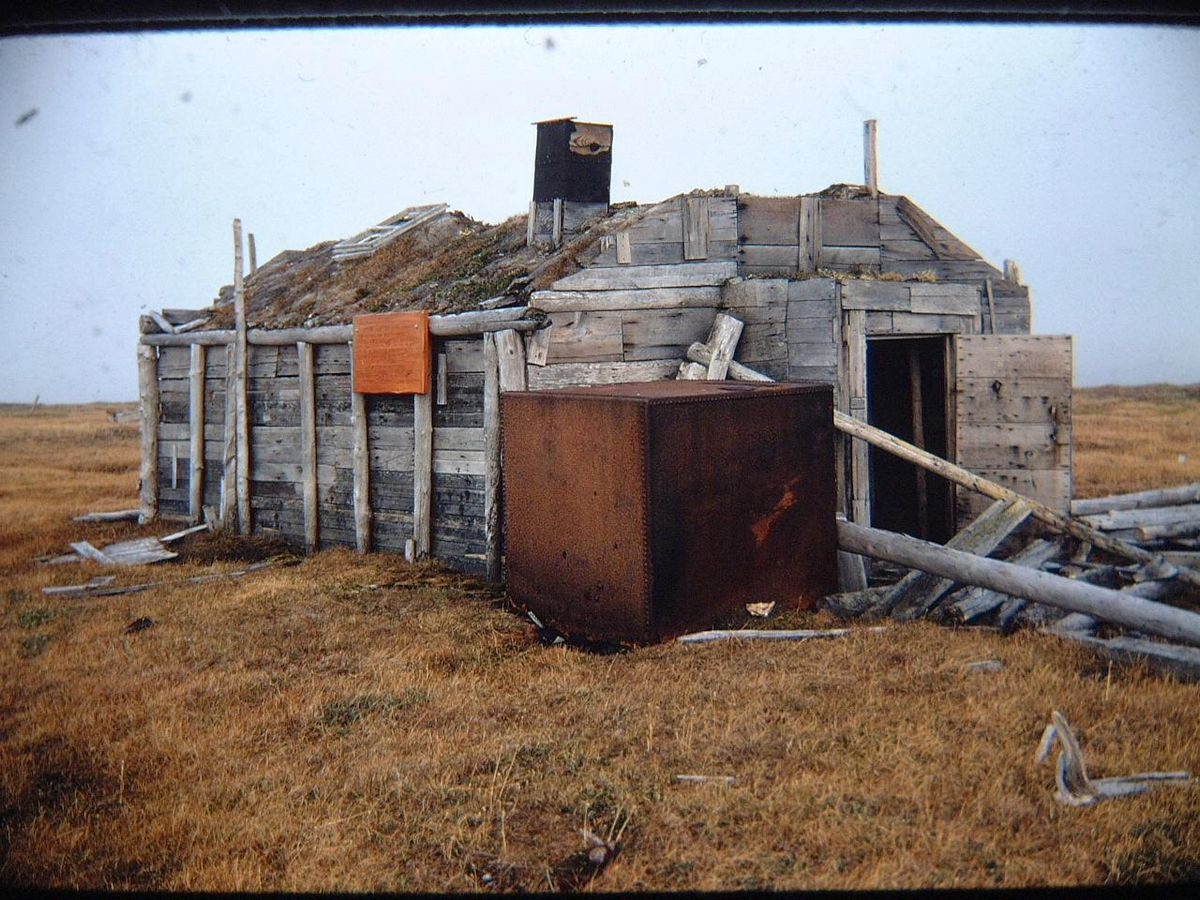 The main building at Ernest Leffingwell's living site on Flaxman Island in a 1970 photo. (Photo by Gil Mull)