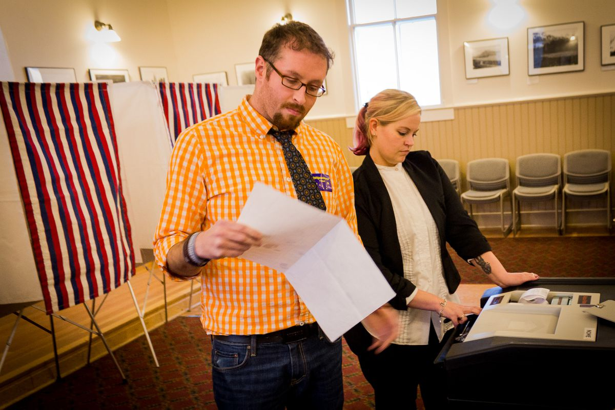 Then-City Clerk Tom Moran presiding over Nome's October 2014 election. (Matthew F. Smith, KNOM)