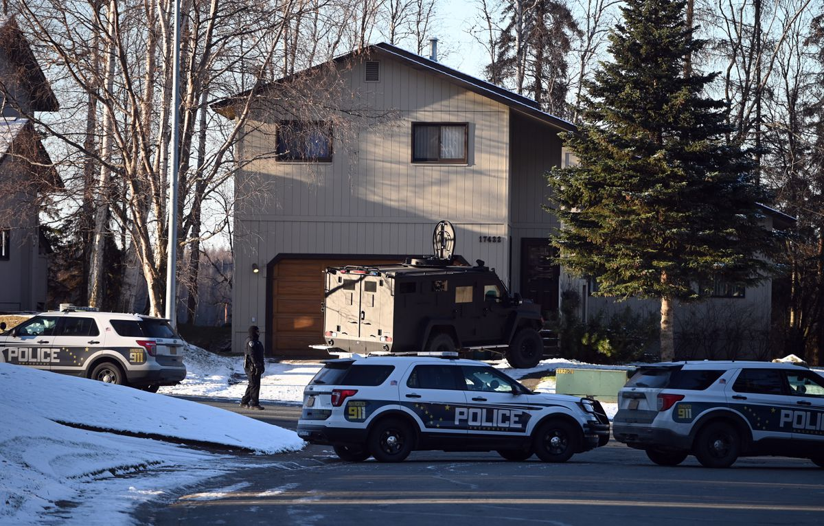 An Eagle River neighborhood was the scene of a SWAT standoff and an officer-involved shooting October, 22, 2020. (Bill Roth / ADN)