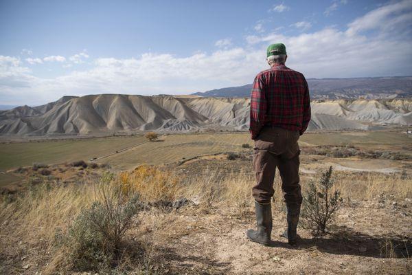 Paul Kehmeier, a fourth generation farmer, looks out on his farm in Eckert, Colo. MUST CREDIT: Washington Post photo by Carolyn Van Houten
