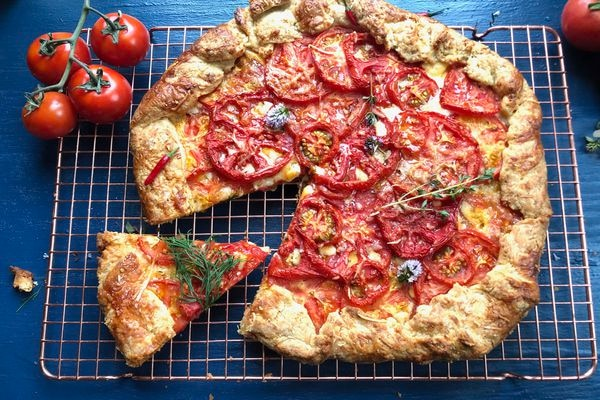 Tomato cheese galette (Photo by Kim Sunée)