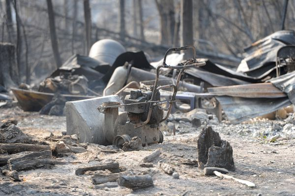 Structure damaged by the McKinley Fire along the Parks Highway on Tuesday, Aug. 20, 2019. (Bill Roth / ADN)