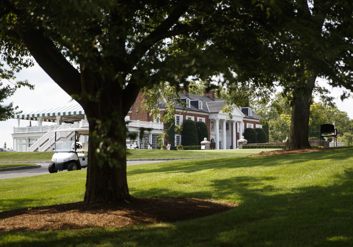 The clubhouse of Trump National Golf Club in Bedminster, N.J. (AP Photo/Carolyn Kaster)