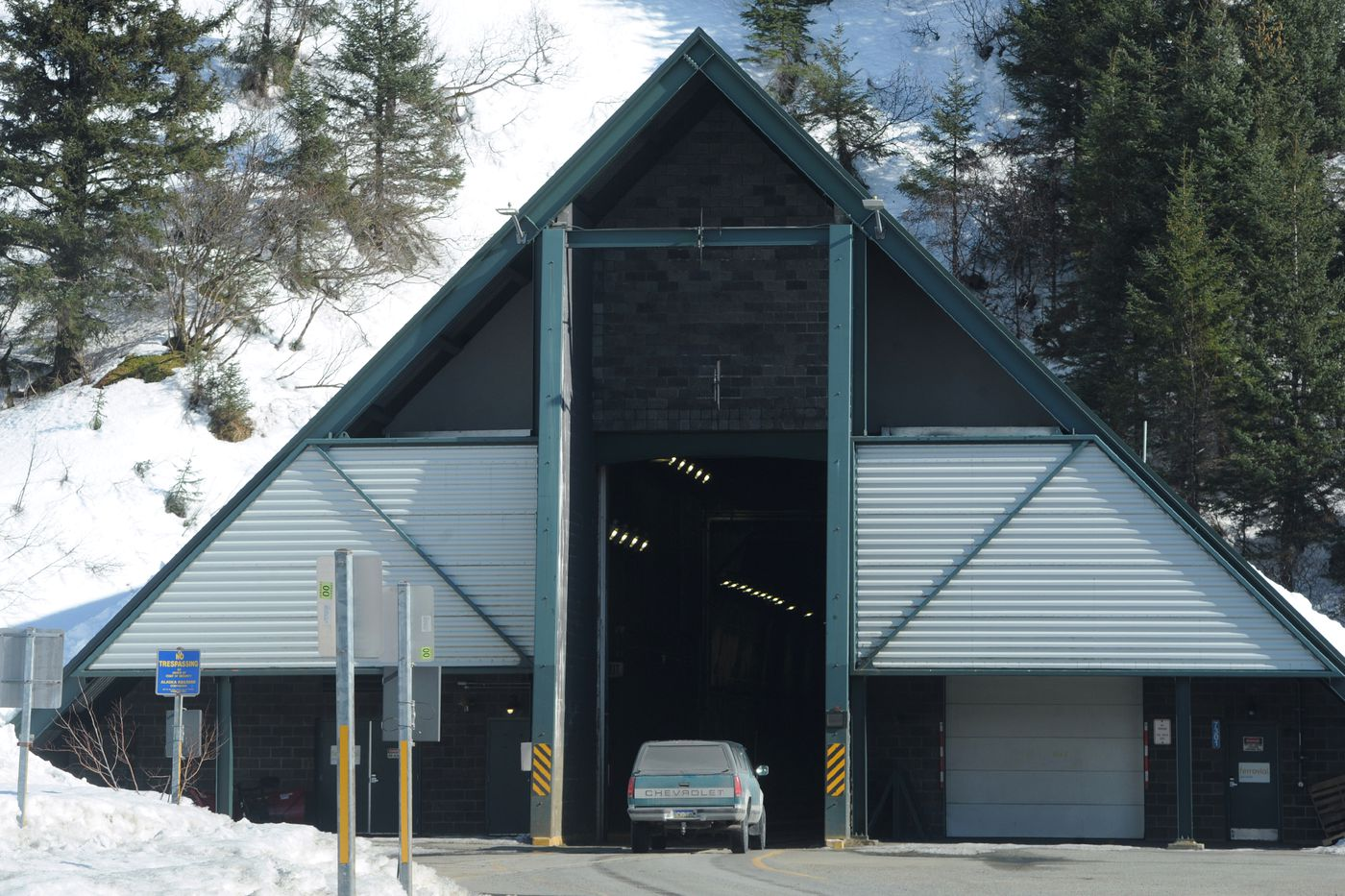 A vehicle enters the Anton Anderson Memorial Tunnel at Bear Valley en route to Whittier on Monday. (Bill Roth / ADN)