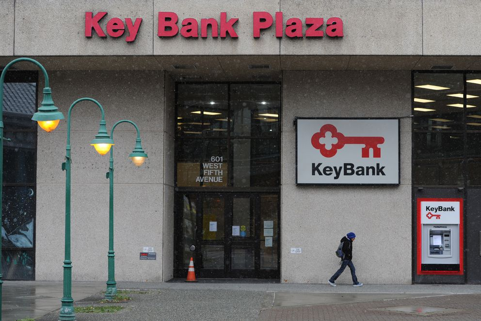 KeyBank has closed its downtown branch due to earthquake damage to the building. Wednesday, Oct. 16, 2019. (Bill Roth / ADN)