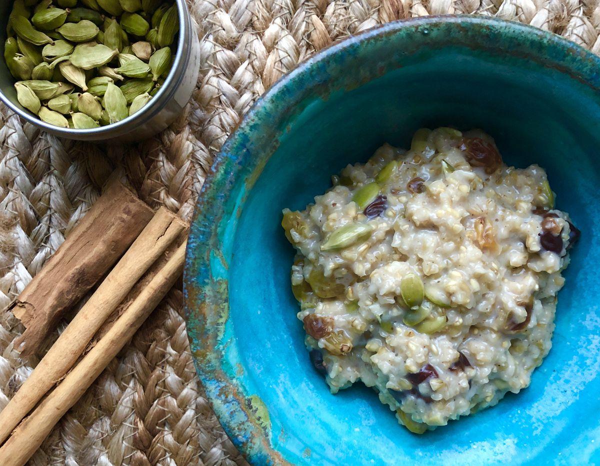 Chai spice steel cut oatmeal. (Julia O'Malley/ADN)