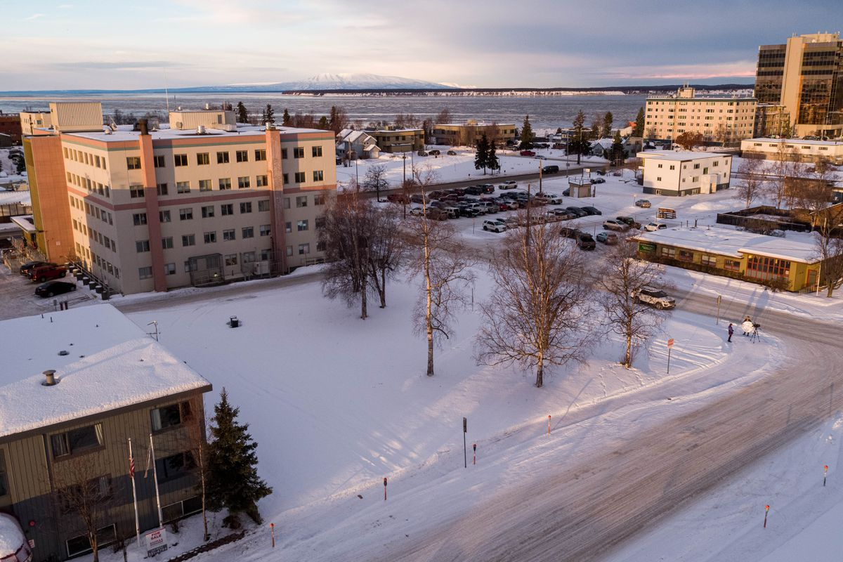 A vacant lot at the corner of K Street and 8th Avenue is the site of a proposed 44-unit apartment complex, photographed on Friday, Jan. 8, 2021 in downtown Anchorage. (Loren Holmes / ADN)
