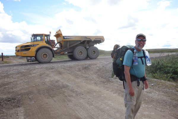 Eric Troyer hiked with Ned Rozell along part of the path of the trans-Alaska pipeline. (Ned Rozell)