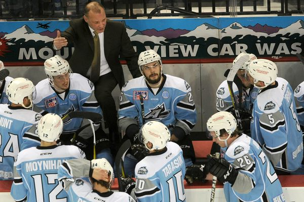 Alaska Aces head coach Rob Murray talks to his team during a time in a hockey game against the Colorado Eagles at the Sullivan Arena in Anchorage, Alaska on Friday, Feb. 17, 2017. (Bob Hallinen / Alaska Dispatch News)