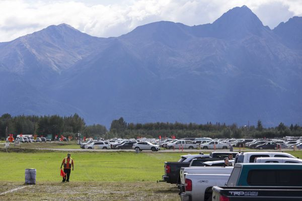 Traffic is at a standstill at the entrance of the Alaska State Fair Sunday, August 27, 2017, in Palmer. (Rugile Kaladyte / Alaska Dispatch News)