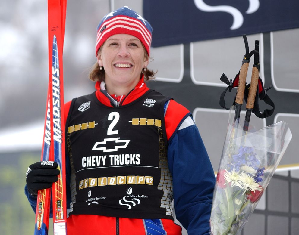 Aelin Allegood accepts applause after her second-place finish in the 2001 Gold Cup Classic at Soldier Hollow, Utah. (Jim Lavrakas / ADN archive)
