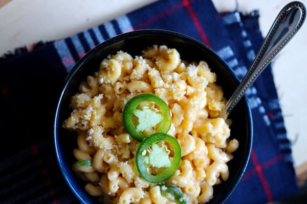 Jalapeno popper macaroni and cheese (Maya Wilson / Alaska from Scratch)